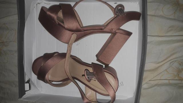 Sapato alto rosé