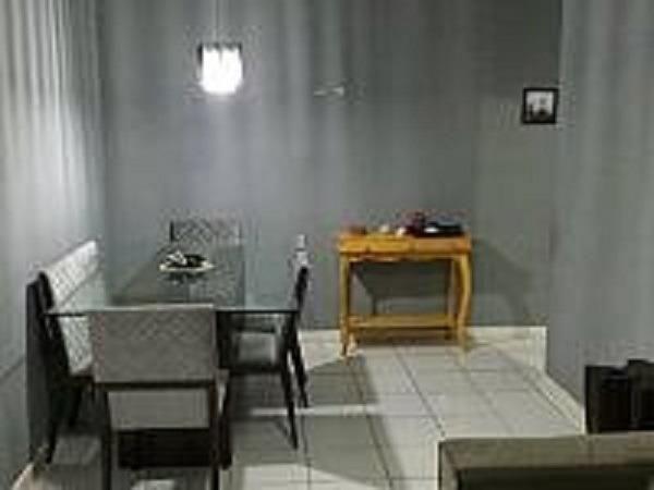 Ótimo apto térreo em condomínio novo no Fonseca