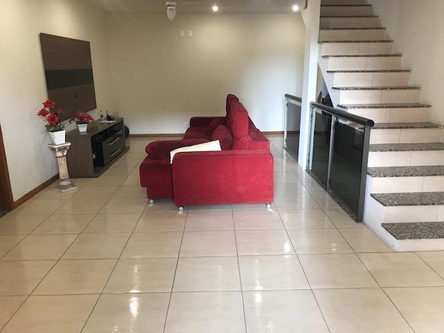 Excelente casa 03 qtos 02 salas 02 suítes 03 vgs garagem etc Nilópolis RJ Ac carta!