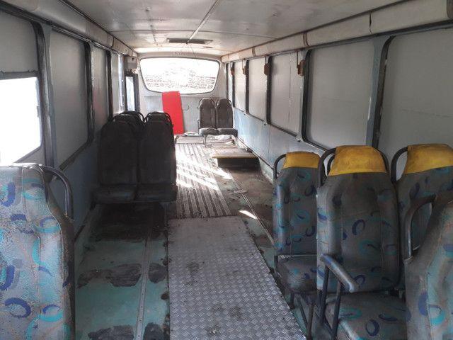 Onibus docum motorcasa ano 2000 aceito F4000/MB 608 Até R$20.000.00 - Foto 5