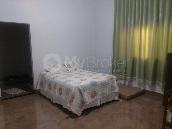 Casa sobrado com 6 quartos - Bairro Setor Central em Palmeiras de Goiás - Foto 9