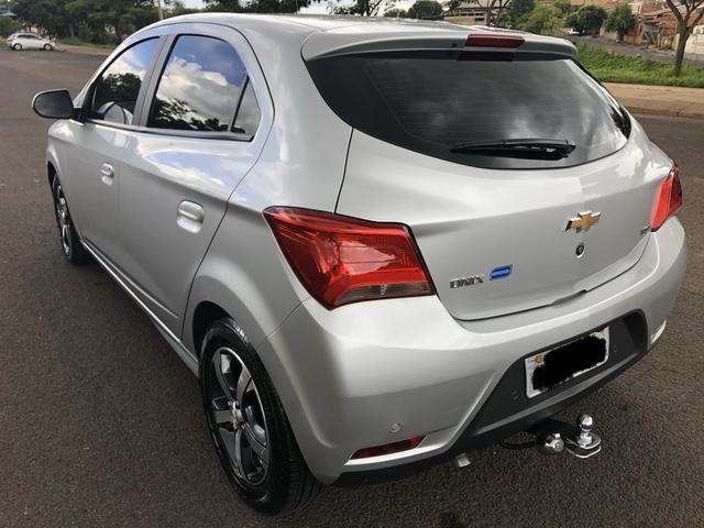 Chevrolet - onix - ltz - 1.4 flex - automático -2017/2018 - Foto 9