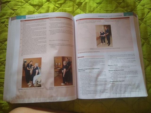 Livro de enfermagem procedimentos e intervenções - Foto 2