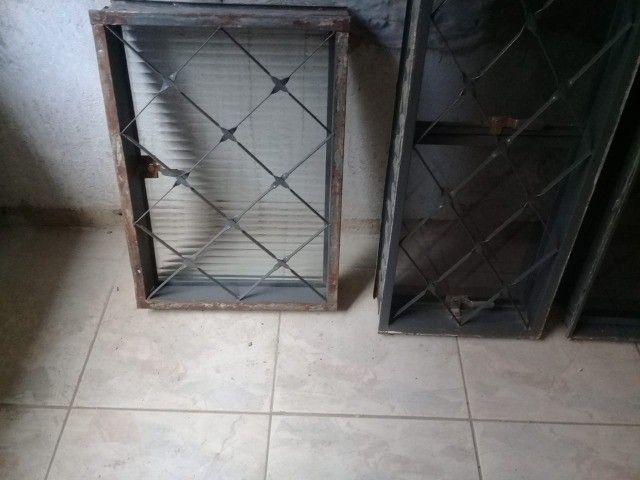 venezianas,vitros e portão - Foto 2