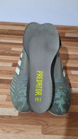 Chuteira adidas TOP DE LINHA Tam 39 - Foto 2