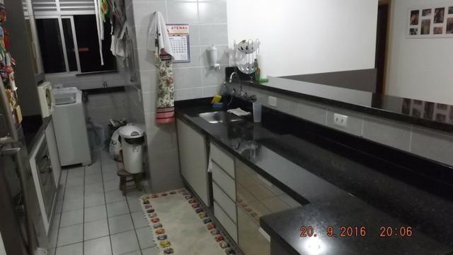 Apartamento 3 dormitórios com móveis planejados no Cabral - Foto 5