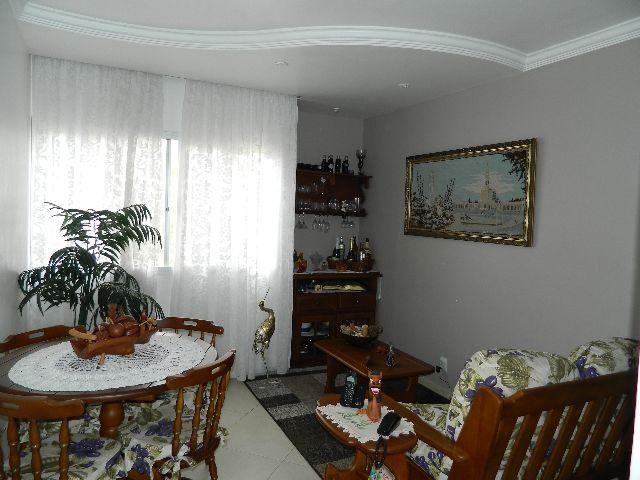 Apartamento, Jd. Camburi, 02 quartos, 1º andar, vaga coberta