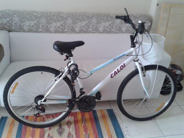 Bicicleta Caloi Ventura Aro 26 com cesta Semi nova Feminina Adulto