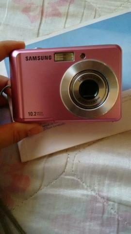 Câmera Rosa de 10.2 mega pixel e Cartão de memória de 2GB