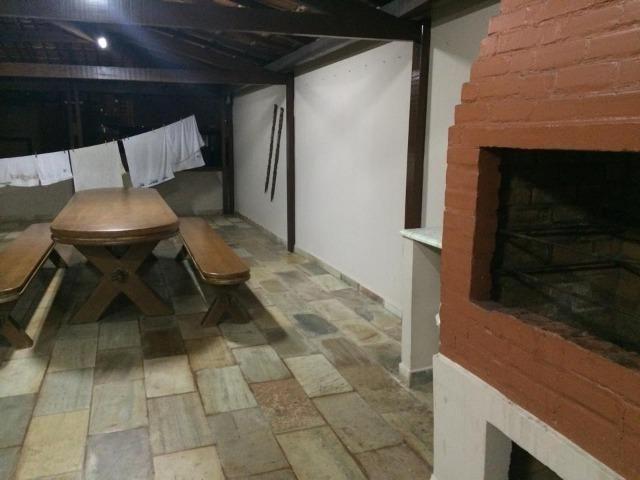Linda casa triplex, 3 quartos, 3 vagas de garagens, Piscina e churrasqueira - Foto 11