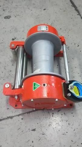 Redutores e componentes hidráulicos  - Foto 3