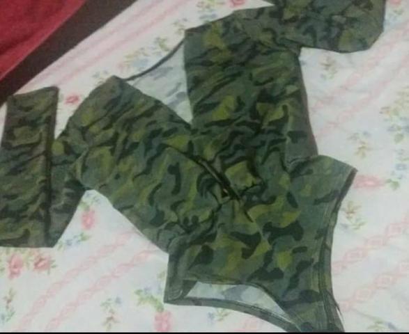 Body camuflado manga comprida