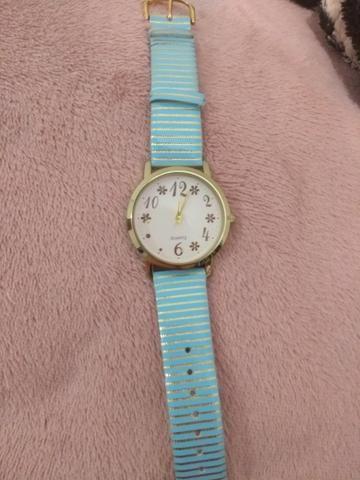 Vendo relógio cor azul com defeito (o ponteiro não esta girando)