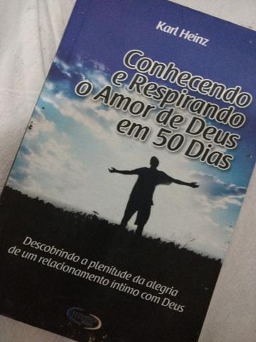 Livro : conhecendo e respirando o amor de Deus em 50 dias