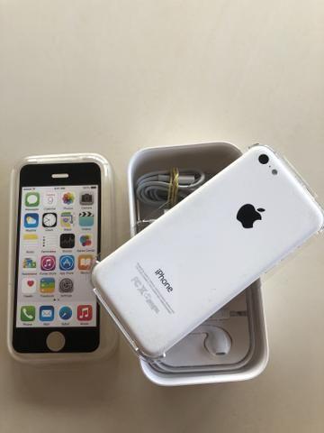 IPhone 5C Branco 8GB, completo na caixa.