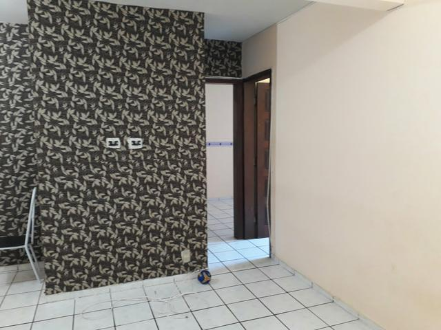 Aluga-se apartamento no Colina do Flamboyants