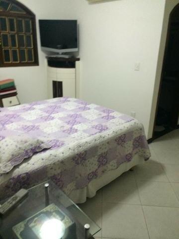 Linda casa triplex, 3 quartos, 3 vagas de garagens, Piscina e churrasqueira - Foto 8