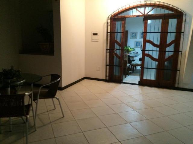 Linda casa triplex, 3 quartos, 3 vagas de garagens, Piscina e churrasqueira - Foto 10