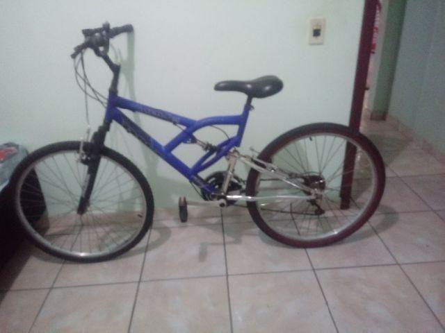 afe506c6a9 Bicicleta com amortecedor aro 26 21 marchas