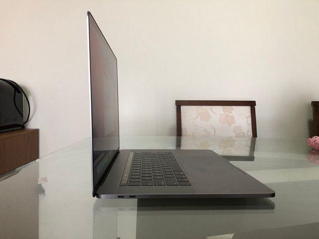 """MacBook Pro Retina Apple 15"""" 2018 Cinza-espacial - Foto 3"""
