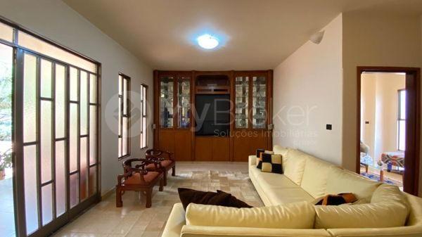 Casa com 4 quartos - Bairro Setor Central em Morrinhos - Foto 11
