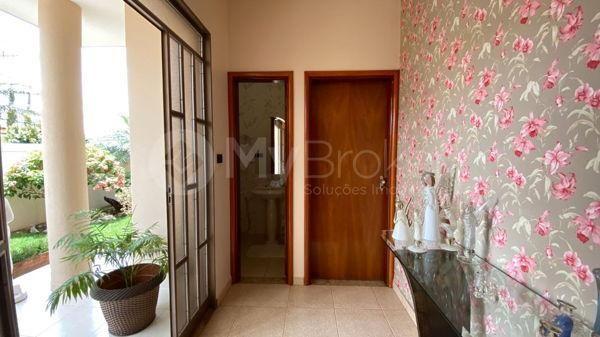 Casa com 4 quartos - Bairro Setor Central em Morrinhos - Foto 2