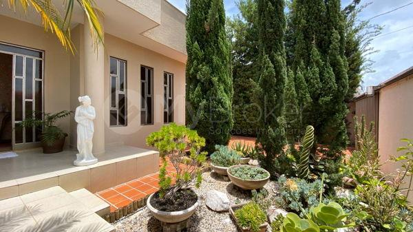 Casa com 4 quartos - Bairro Setor Central em Morrinhos - Foto 7