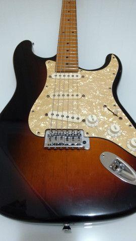 Guitarra Tagima 735 com captação fender