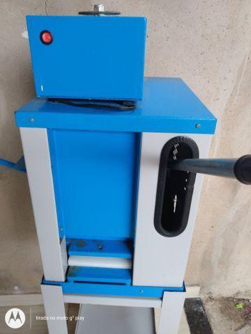 Vendo máquina de chinelo - Foto 6