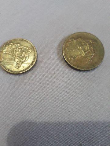 Vendo duas moedas de 1 cruzeiro e de 2 cruzeiro  - Foto 2