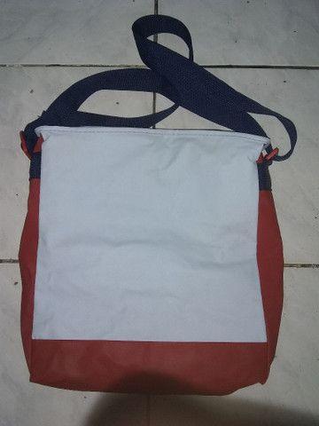 Vendo 2 sacolas térmicas  50 reais cada - Foto 2