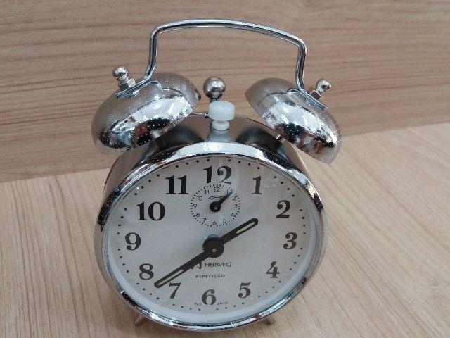Despertador estilo antigo com campainha - Foto 3
