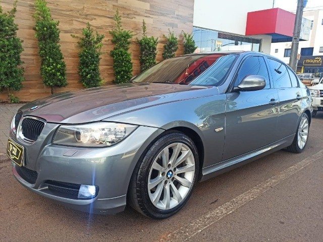 BMW\320i  - Ótimo Estado - 2010