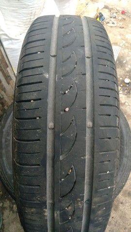 Vendo 4 pneus 14 seminovos e 2 meia vida