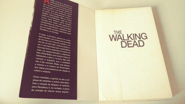 Livro The Walking Dead - O Caminho para Woodbury - Foto 3