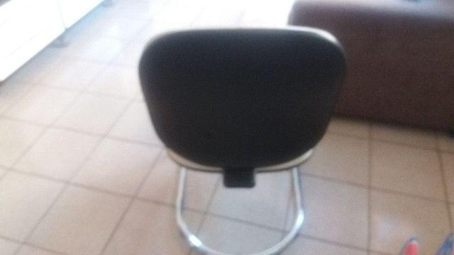 Cadeiras de espera em couro - Foto 2