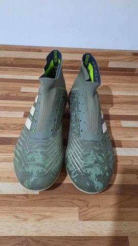 Chuteira adidas TOP DE LINHA Tam 39 - Foto 5