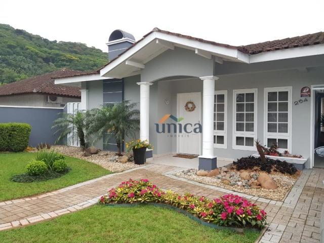 Casa à venda com 3 dormitórios em Pirabeiraba (pirabeiraba), Joinville cod:UN00857