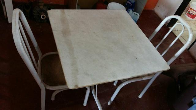 Barato Mesa Granito 70x70 com 4 cadeiras estofadas