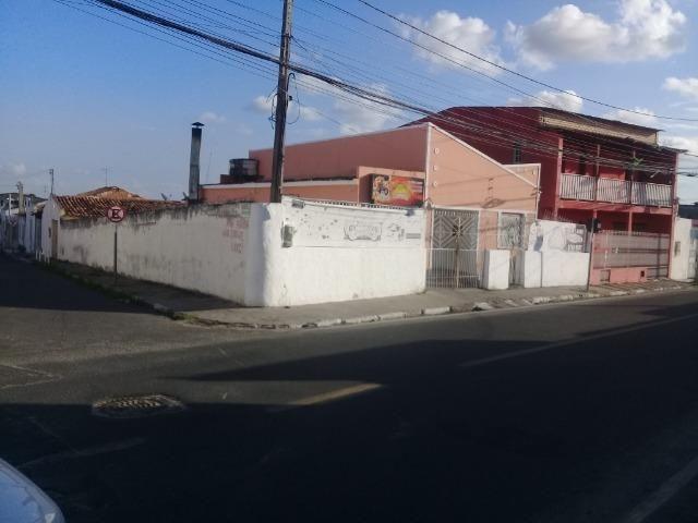 Excelente ponto comercial , de esquina, próximo ao Centro Comercial do Feiraguaio - Foto 6
