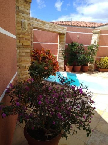 Excelente e ampla casa 3 suits e piscina Proximo a Faculdades, e comercio e Hospital - Foto 13