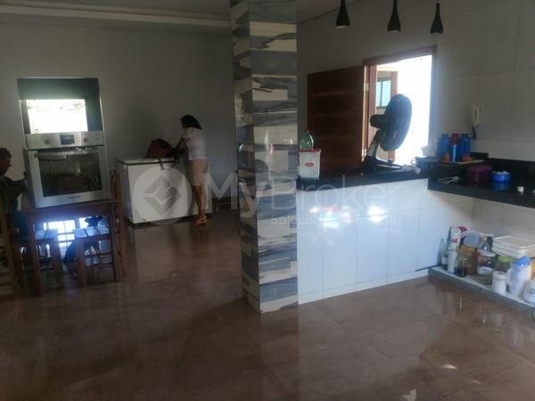 Casa sobrado com 6 quartos - Bairro Setor Central em Palmeiras de Goiás - Foto 7