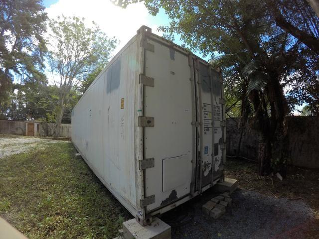 Container climatizado com prateleiras em aço galvanizado