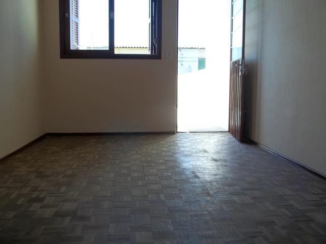 Apartamento dois dormitórios c/sacada grande, Fragata/Guabiroba - Foto 3