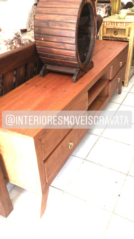 Mesa com banco cristaleira rack sofás - Foto 4