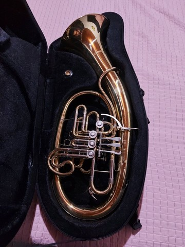 Tuba Wagneriana Suzuki Szfh-760lq Laqueada Fá/sib - Foto 2
