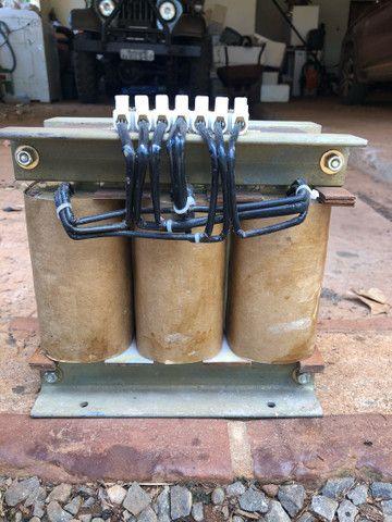 Autotransformador trifásico com neutro - Foto 4