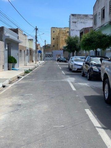 VENDE-SE CASA NO CENTRO (rua atrás do FÓRUM) - Foto 3