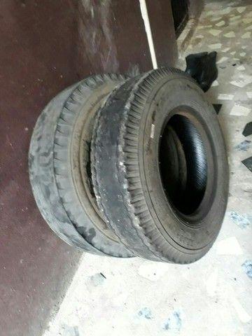 2 pneus 750/16 PRA RECAPAGEM - Foto 2