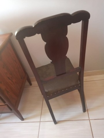 Cadeira de madeira Maciça ornamental